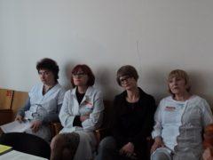 Врачи Одесской городской клинической больницы делятся опытом лечения муковисцидоза со слушателями школы.